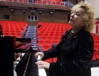 MOĞOLISTAN - 'Annemin piyano, babamın keman sesleriyle büyüdüm'