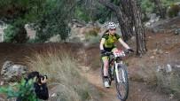 19 MAYIS ÜNİVERSİTESİ - Belediye Başkanının Hediye Ettiği Bisikletle İkinci Oldu