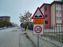 TRAFİK LEVHASI - Büyükşehirden İlkokul Önlerinde Trafik Güvenliği