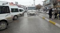 ÖZALP BELEDİYESİ - Cadde Ve Sokaklar Temizlendi