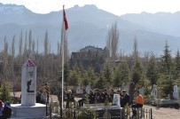 AYDıN ERDOĞAN - El-Bab Şehidi Okan Altıparmak Mezarı Başında Anıldı