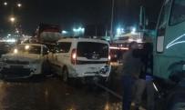 FARABI - Kayganlaşan Yolda 8 Araç Birbirine Girdi Açıklaması 1 Yaralı