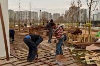 SELAHATTIN EYYUBI - Kent Meydanı'nda Çalışmalar Tamamlanıyor