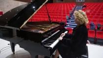 MOĞOLISTAN - Kıskançlıkla Başladığı Piyano İle Dünyayı Gezdi