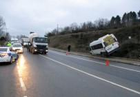 ÇAVUŞBAŞı - Okul Servisi Şoförünün Tansiyonu Düştü, Faciadan Dönüldü