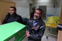 İBRAHIM ÇELIK - Polis, Operasyonda Silah Doğrultan Kişiyi Öldürdü