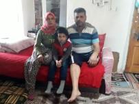 SıNıF ÖĞRETMENLIĞI - Protez Bacağını Çıkartıp Kendisine Saldıran Öğretmene Ders Verdi