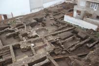 KEMAL DOKUZ - Şehrin Göbeğinde Antik Kenti Andıran Manzara