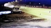 YUSUF YıLDıZ - Tır, Polis Nöbet Kulübesinin Üzerine Devrildi Açıklaması 3 Yaralı