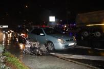 VATAN CADDESİ - Vatan Caddesi'nde Kaza Trafiği Kilitledi Açıklaması 6 Yaralı