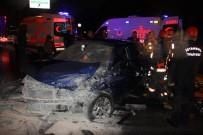 VATAN CADDESİ - Vatan Caddesi'nde Zincirleme Kaza Açıklaması 1'İ Ağır 6 Yaralı