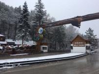 YAĞIŞLI HAVA - Ankara'da Kar Yağışı