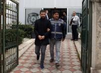 ÇALINTI ARAÇ - Antalya'da 3 Oto Hırsızı Yakalandı