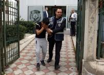 YEŞILDERE - Bıçak Tehdidiyle Cep Telefonu Gasp Eden Kişi Tutuklandı
