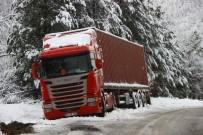KAR LASTİĞİ - Kazdağları'nda Kar Trafiği Olumsuz Etkiliyor
