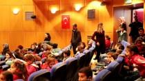 Köydeki Öğrenciler Tiyatro İle Buluşturuluyor