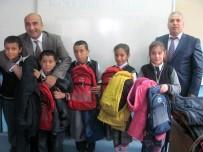 OKUL ÇANTASI - Suriyeli Ve Türk Öğrencilere Okul Çantası Ve Mont