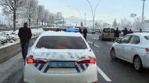 ESENBOĞA HAVALIMANı - Ankara Yolları Buz Pistine Döndü