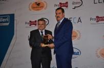 TANER YILDIZ - Başkan Yağcı, Ödülünü Bakan Tüfenkci'den Aldı
