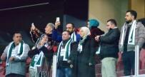 DOWN SENDROMU - Filistinli Muhammed Ve Ailesi Konyaspor'un Fenerbahçe Maçında Onur Konuğu Oldu
