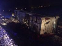 Isparta - Eğirdir Karayolu'nda Otobüs Devrildi