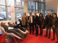PIR SULTAN ABDAL KÜLTÜR DERNEĞI - Pir Sultan Abdal Kültür Derneği Kızılay'a Kan Ve Kök Hücre Bağışladı