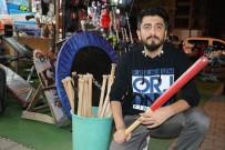 AHMET YILDIRIM - Adanalılar Beyzbol Sopası İle Sahaya Değil Trafiğe Çıkıyorlar