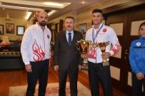 SÜLEYMAN ELBAN - Ağrı Valisi Elban Sporcuları Ödüllendirdi