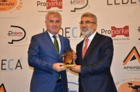 TANER YILDIZ - Başkan Memiş'e Yılın Başarılı Belediye Başkanı Ödülü