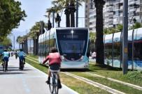 YAYA GEÇİDİ - Büyükşehir'den 'Gözünüz Tramvayda Olsun' Uyarısı