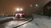 KONURALP - Düzce Belediyesi Hafta Sonu Etkili Olan Karla Mücadeleyi Başarıyla Yürütüldü