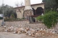 TURGUTALP - İhtiyaç Duyulan Yerlerin İstinat Duvarları Yunusemre'den