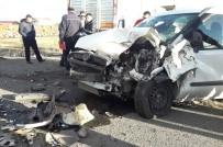 Kars'ta Trafik Kazası Açıklaması 5 Yaralı