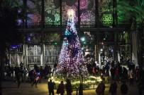 QUEEN - Los Angelas Işıklarla Süslendi