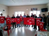 İSMAİL HAKKI - Manisa'da İki Mahallenin Türk Bayrakları Yenilendi