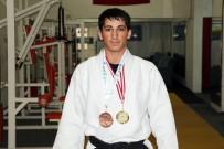 AVRUPA ŞAMPİYONU - Tavsiye Üzerine Başladı Hem Avrupa Şampiyonu Hem De Dünya 3'Ncüsü Oldu