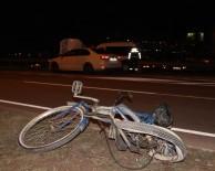 NUMUNE HASTANESİ - Sivas'ta Otomobil Bisiklete Çarptı Açıklaması 1 Ölü, 1 Yaralı