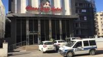 ÖĞRENCİ BURSU - Adil Öksüz Adana'da Sohbet Toplantısına Katılmış