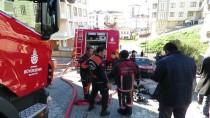 EVDE TEK BAŞINA - Ataşehir'de Gecekondu Yangını