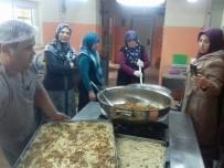 MEHMET KARAKAŞ - Bayan Kursiyerlere Uygulamalı 'Aşçı Çırağı' Kursu