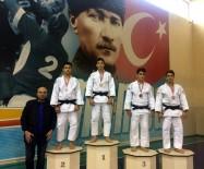 BERGAMA BELEDİYESPOR - Büyükşehirli Judocular Turnuvaya Damga Vurdu