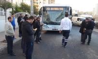 KARAKÖPRÜ - Halk Otobüsü Kamyona Çarptı Açıklaması 4 Yaralı