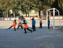 FUTBOL TURNUVASI - Organize Sanayi İlkokulu'nda Sınıflar Yarışıyor