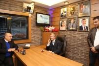 YEDITEPE - Taksi Durağında Çalan Telefonu Belediye Başkanı Tahmazoğlu Açtı