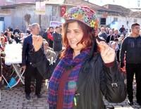 METİN LÜTFİ BAYDAR - Turanlar Halkı Özlem Çerçioğlu'na Teşekkür Etti