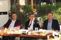 İBRAHIM SAĞıROĞLU - Yomra'da Muhtarlarla İstişare Toplantısı Yapıldı