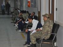 GIDA ZEHİRLENMESİ - Zırhlı Birlik Personeli Yemekten Zehirlendi