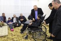 DÜNYA ENGELLILER GÜNÜ - Çocukları Engelli Olan Aileye Tekerlekli Sandalye