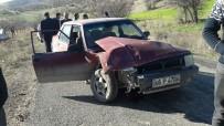 VAHDETTIN - İki Otomobil Çarpıştı Açıklaması 2 Yaralı