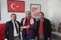 İNŞAAT SEKTÖRÜ - İşadamı Aktaş'dan Bilecikspor'a Destek